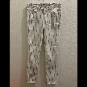 Off white and grey details jeans